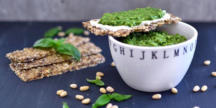 Sunnere grønn pesto med spinat og avokado – Oppskrift – Soma.no