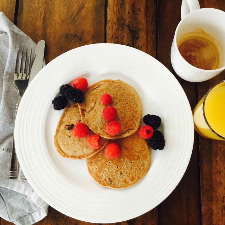 5-Minute Vegan Pancakes (GF) – veganleeks.com