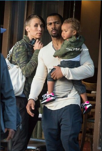 Omari Hardwick with his wife & daughter