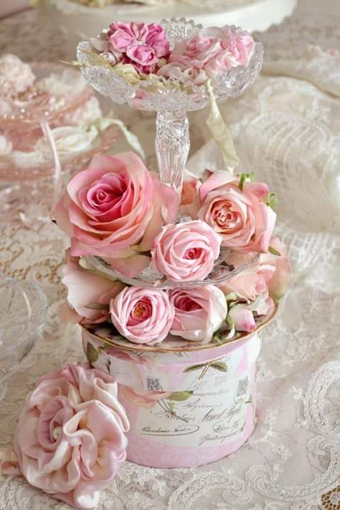 2364 best images about everything roses on pinterest - Cuadros shabby chic ...