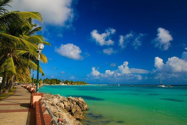 Boulevard de Sainte Anne Guadeloupe
