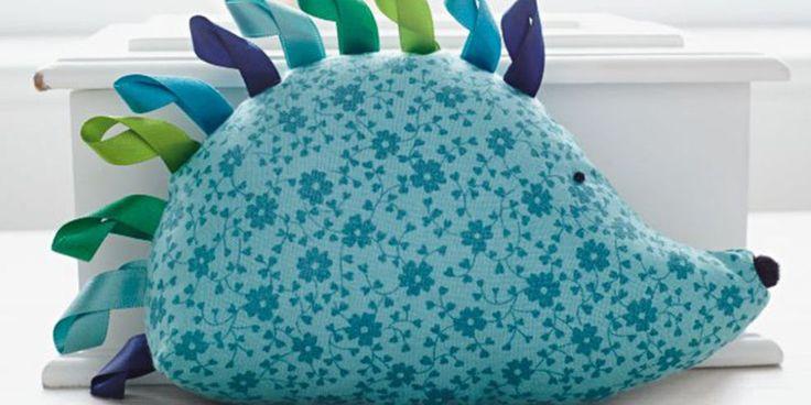 Hedgehog cuddly toy - free Pattern and tutorial