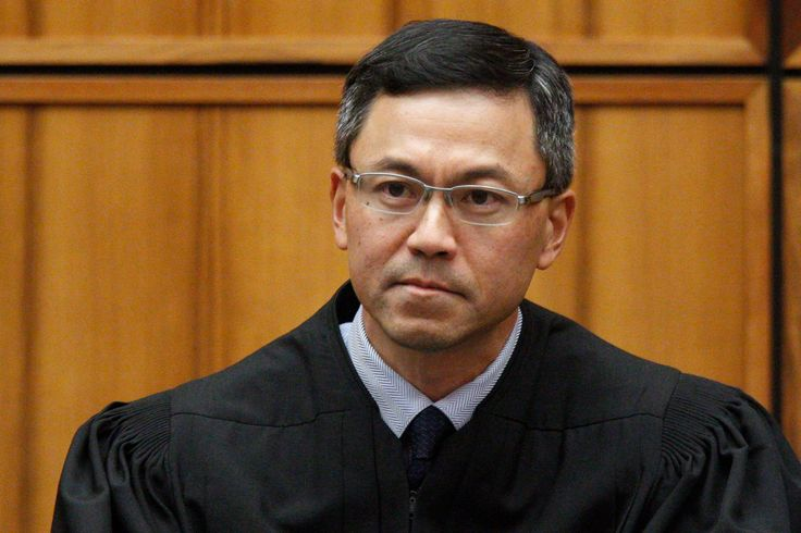 Judge Temporarily Halts New Version of Trumps Travel Ban