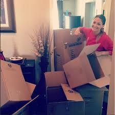 There are many reasons why it is a good decision to hire Chicago movers when relocating. These moving companies are professionals. They are expert in relocating your things. They have perfected their art through their years of experience. This can go a long way in assuring you that the entire relocation process is smooth. Most of these companies also offer free quotes.