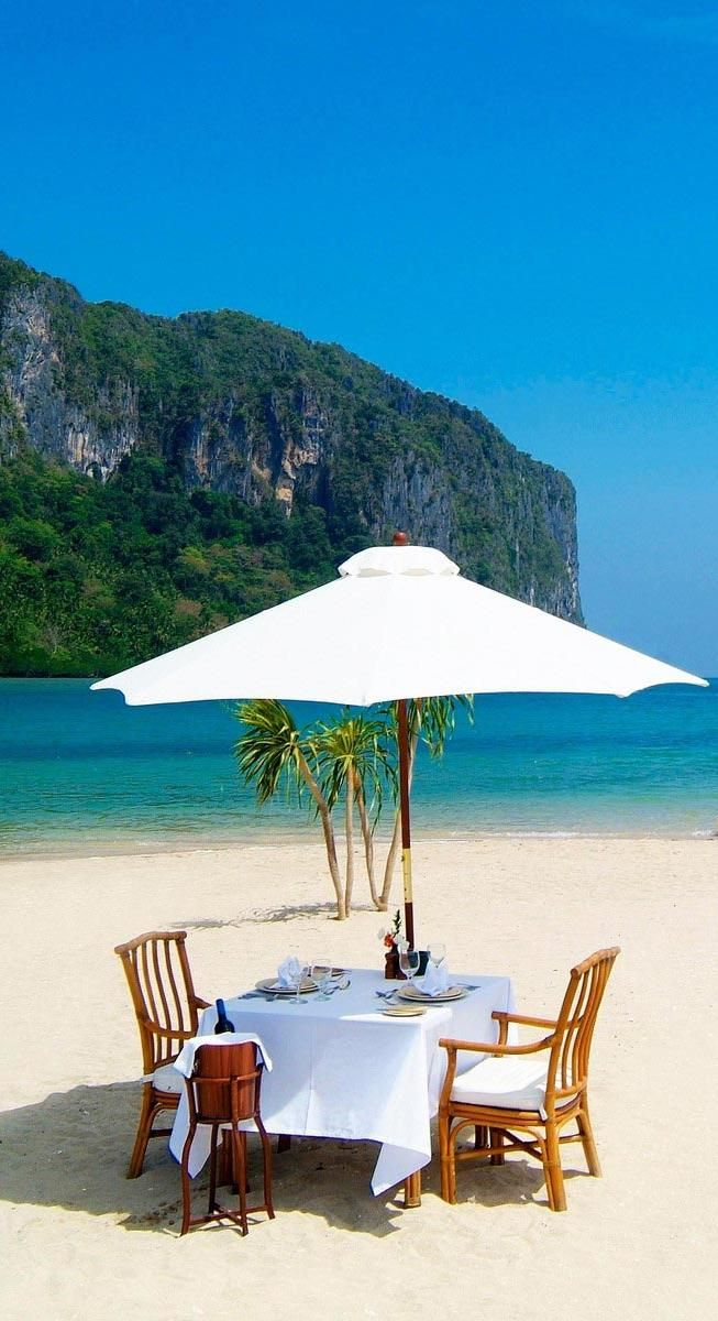 Lunch on the beach, al aire libre