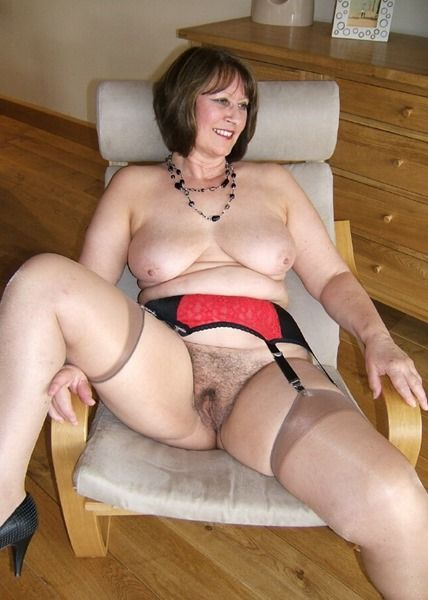 Older Women With Hairy Pussys 39