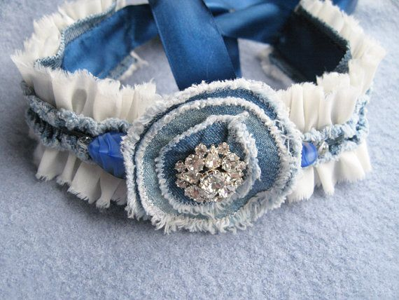 Shabby Chic Denim Flowers Necklace Silk Pearl por TheMireyBoutique