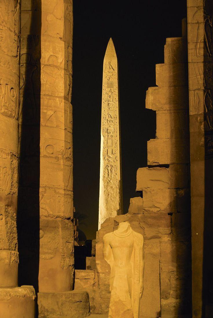 Obeliscos · National Geographic en español. · Grandes reportajes
