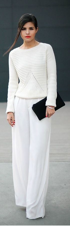 Simple total white   ♪ ♪ ... #inspiration #crochet  #knit #diy GB  http://www.pinterest.com/gigibrazil/boards/