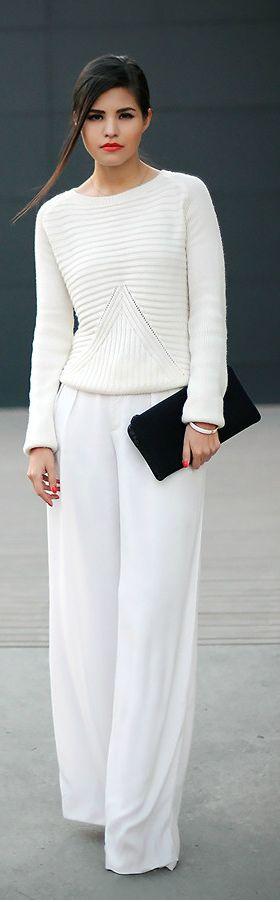 Simple total white ♪ ♪ ... #inspiration #crochet #knit #diy GB http://www.pinterest.com/gigibrazil/boards/