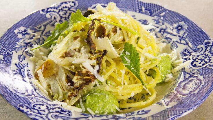 Grønnsakspagetti med brokkoli, sardiner og hvitløk