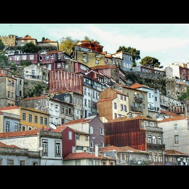 Oporto, la ciudad más mágica de Portugal http://bit.ly/1YumHsK
