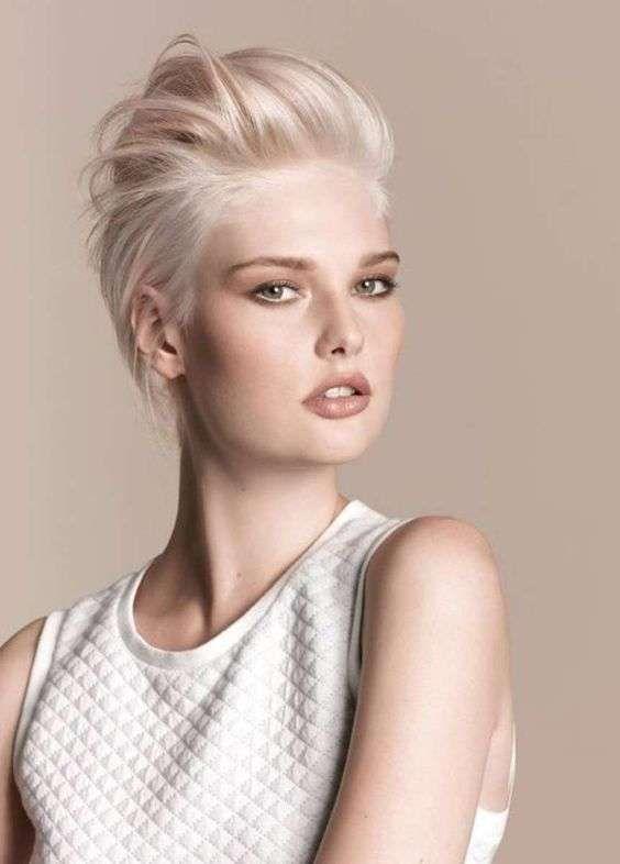 Populaire Oltre 25 fantastiche idee su Capelli biondo platino su Pinterest  MU27