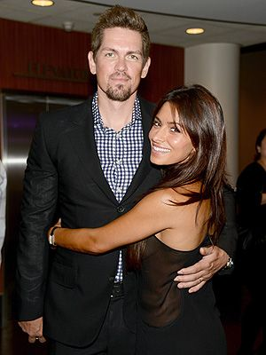 Steve Howey and Sarah Shahi Welcome Twins Violet Moon and KnoxBlue http://celebritybabies.people.com/2015/03/06/sarah-shahi-steve-howey-welcome-twins-violet-moon-knox-blue/