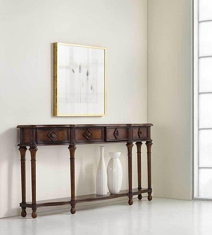 Элегантная классика Hooker Furniture удивительно гармонично вписывается в современные пространства. Эта консоль, предназначенная для холла, выполнена из массива твердых сортов дерева и декорирована шпоном вишни и каштана. Особое очарование придает легкий эффект состаренного дерева. #комод #шкаф #шкафы #тумба #консоль #дизайн_гостиной #интерьер_гостиной #дизайн_спальни #интерьер_спальни #интерьер #дизайн_интерьера #декор #мебель #корпусная_мебель #гостиная #дизайн_квартиры #дизайн_дома