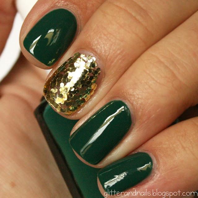 http://glitterandnails.blogspot.com/: Packers Nails, Milani Gold, Gold Nails, Christmas Colors, Christmas Nails, Green And Gold, Football Nails, Green Nails, Holidays Nails