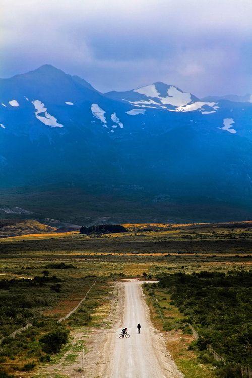 Camino a la Cueva del Milodon, Región de Magallanes, Patagonia, Chile.