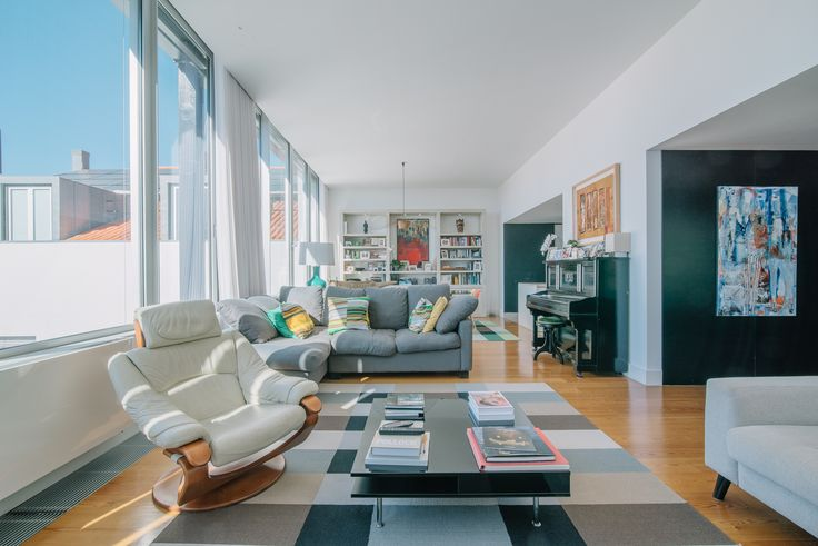 HomeLovers: living room with great light