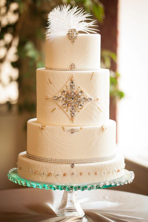 White-Wedding-Cake.jpg (600×900)
