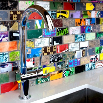 Forget marble, granite and slate— this cool and eco-chic backsplash was made with skateboards!