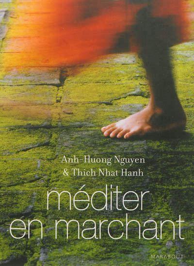 Le maître bouddhiste et son disciple exposent les bienfaits spirituels de la marche.