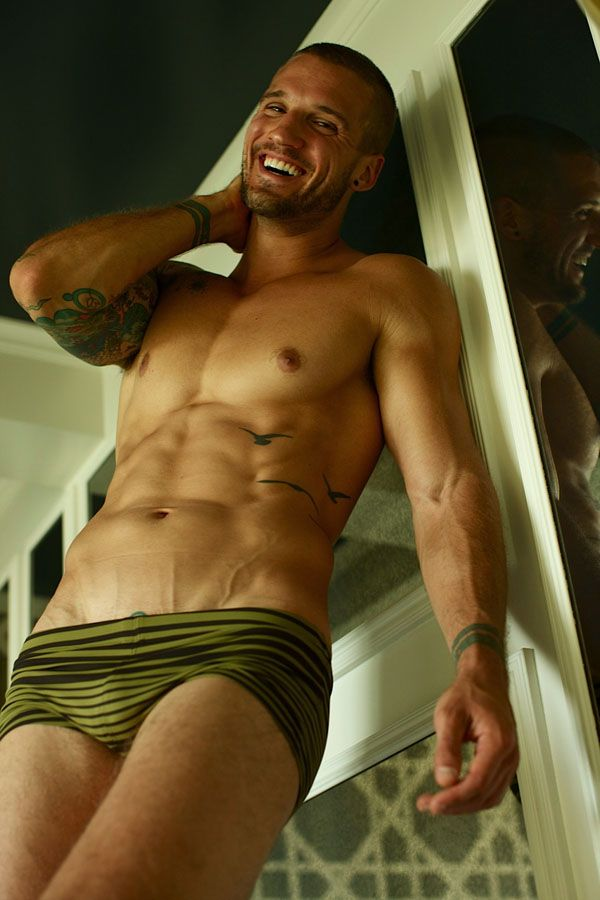 Parker Hurley shaves his head for Mr. Turk