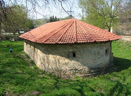 """The Church of Assumption of Mother of God, Căuşeni (Biserica """"Adormirea Maicii Domnului"""" din Căușeni) 17th century.  The church was painted in 1763 by Stanciul Radu şi Voicul. (Moldova)"""