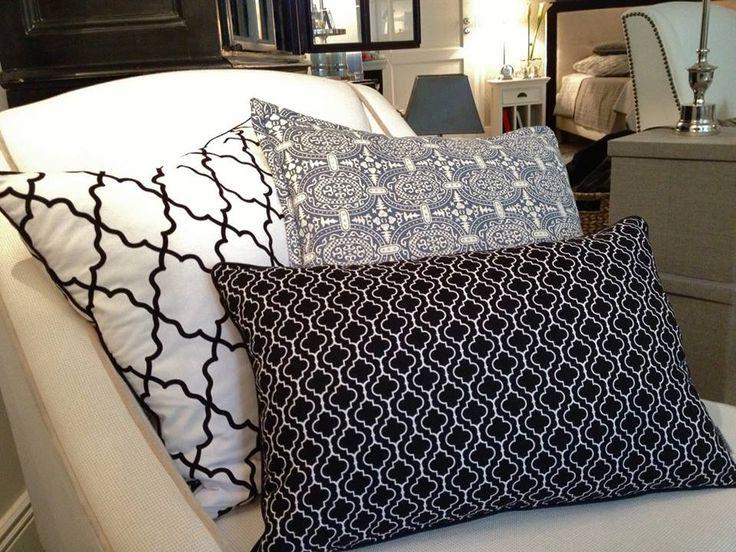Mialiving geometric moroccan black white pillows #MIALIVING #pillows Photo was taken in @华华 GREY New York Style Interiors Warsaw
