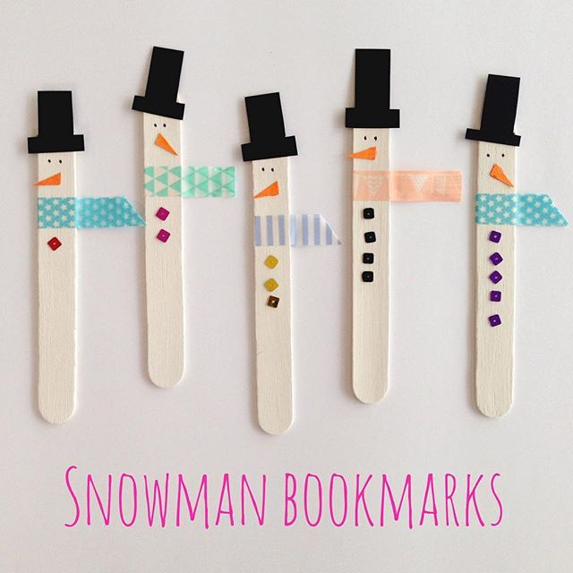 SNOWMAN BOOKMARKS || we made these fun snowman bookmarks today from craft sticks that we painted white. Miss4 also played a fun counting game by putting on different numbers of matching sequin buttons. These were super easy to make, and lots of fun.