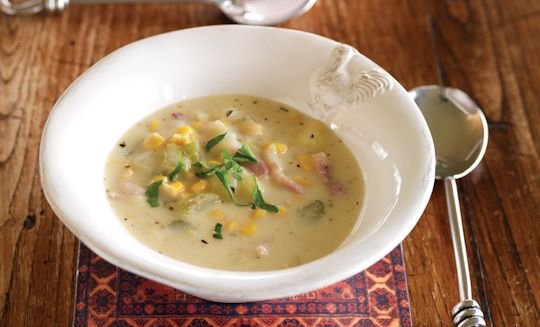Looking for a simple meal that's big on flavour and will satisfy even the hungriest in your family? Try this Potato, Sweet Corn and Bacon Chowder.