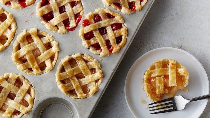 A fun way to make a mini version of your favorite pie! Super easy thanks to muffin pan + pie filling + pre-made crust.