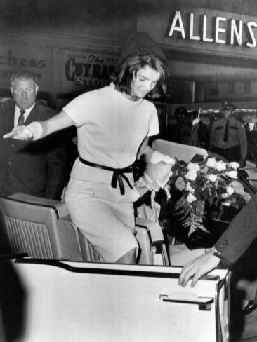 Jacqueline Kennedy Exits a Convertible on Day Before Pres John Kennedys Assassination, Nov 11 1963