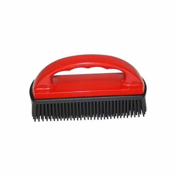 Med denne børsten i natur gummi fjerner du enkelt hårene til hunden eller katten fra møbler, bilen, tepper og andre steder de setter seg. Dyrebutikk på nett