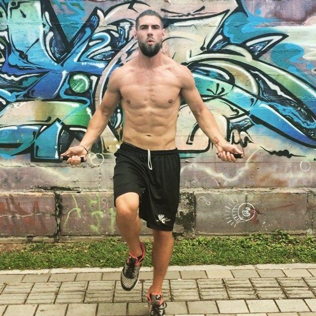 Fitnessstudio ade: Warum euch Seilspringen zum Sixpack führt | BRIGITTE.de