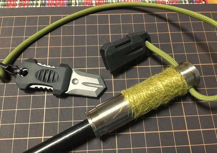 Titanium grip Fire steel . チタングリップファイヤースチールにストライカーをつけました もとはポケットナイフとして売ってるものですがストライカーにちょうどいいですナイフとしては... . #ファイヤースチール #チタン #グリップ #ストライカー #麻紐 #パラコード #firesteel #titanium #grip #striker #hempcord #paracord