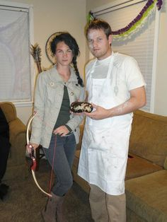 Hunger Game Costume (example, how to) . For the win!