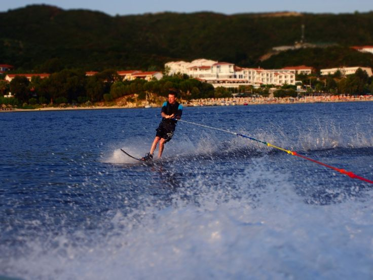 This Chalkidiki water ski holiday is set in the idyllic Chalkidiki peninsula ensuring a relaxed atmosphere, for families or friends to ski together.
