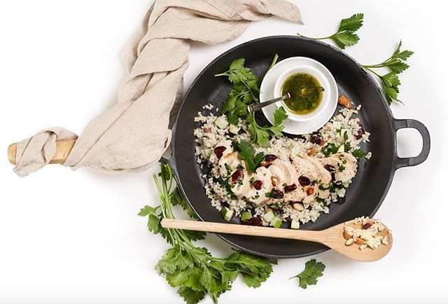 Light and fresh  #lightandfreshfood #foodie #recipie in bio #foodstyling @mats.dreyer #foodphotography @baardnaess
