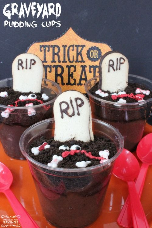 Halloween Party Recipe! Graveyard Pudding Cups are sure to be a hit at your party for an easy dessert recipes and kids treat idea for a fun craft!