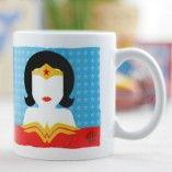 Taza – Wonderwoman ARTISTA – El Bicho Bola SERIE – Superheroes www.latiendadeldesvan.es