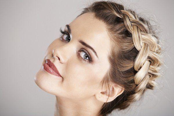 Peinados para bodas ideales para invitadas