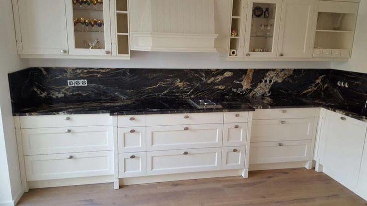 ber ideen zu granit k che auf pinterest dunkles holz k chen granitarbeitsplatten und. Black Bedroom Furniture Sets. Home Design Ideas