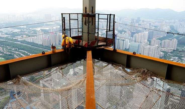china's tallest skyscraper under construction: one floor every four days