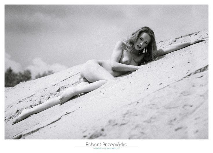Sesja buduarowa Warszawa  fotograf: Robert Przepiórka Warszawa modelka: Iza  cała sesja jest tu: https://robertprzepiorka.pl/sesja-buduarowa-na-slonecznej-plazy/  #sesjabuduarowa #lingerie #boudoir #boudoirphotography #sesjabuduarowawarszawa