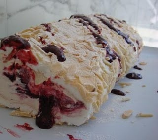 Pavlova Roll….love this pic…oh thats right. because I took it! hahaha