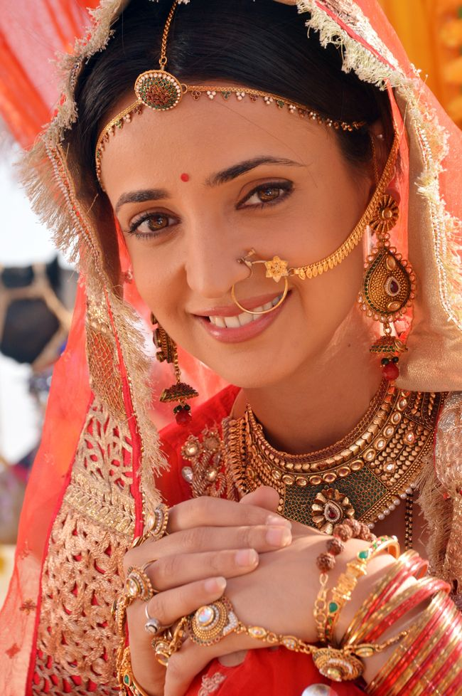 Sanaya Irani (Paro of Rangrasiya) #Style #Bollywood #Fashion #Beauty