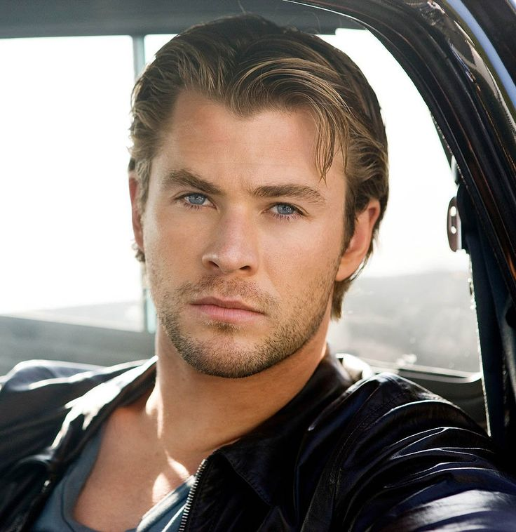 Chris Hemsworth muy natural
