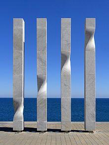 Ricardo Bofill (Ricard Bofill Leví), Les quatre barres de la senyera catalana 8 DSC09517 - Ricardo Bofill - Wikipedia, the free encyclopedia