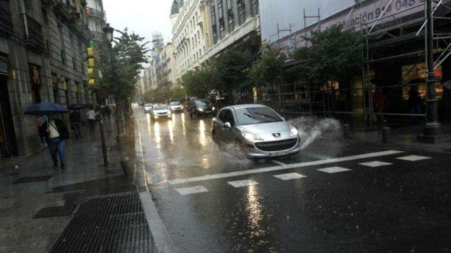 Hasta 36 provincias en alerta este lunes por lluvia viento o fuerte oleaje