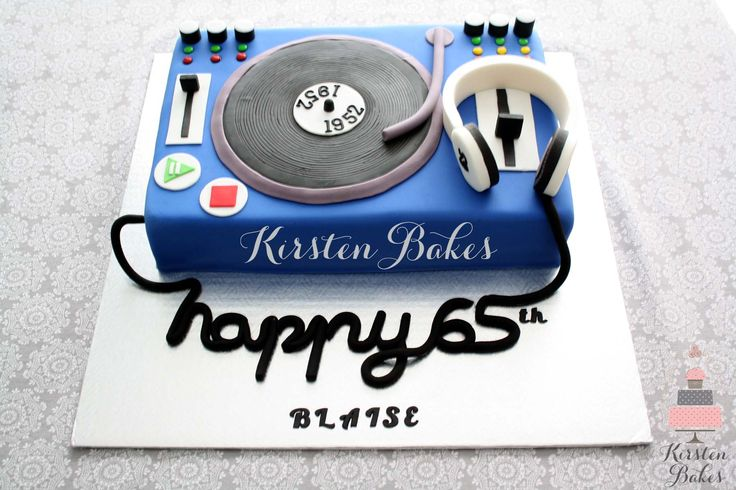 DJ cake, turntable, headphones